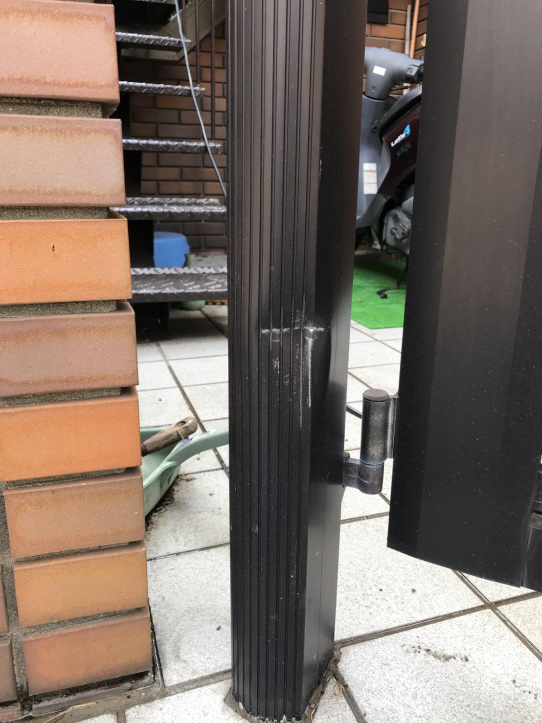 門柱の曲がり補修 施工前 画像